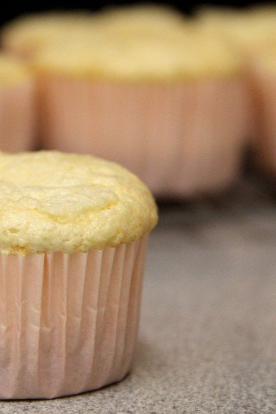 Levitating Cupcakes — It's Magic!