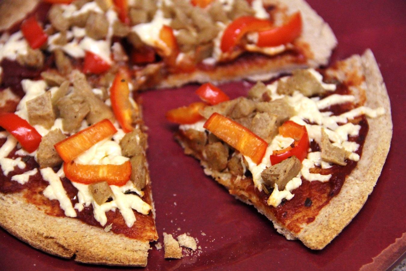 sweet pepper and seitan vegan pizza