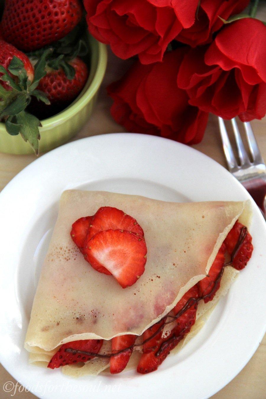 strawberry nutella crêpes