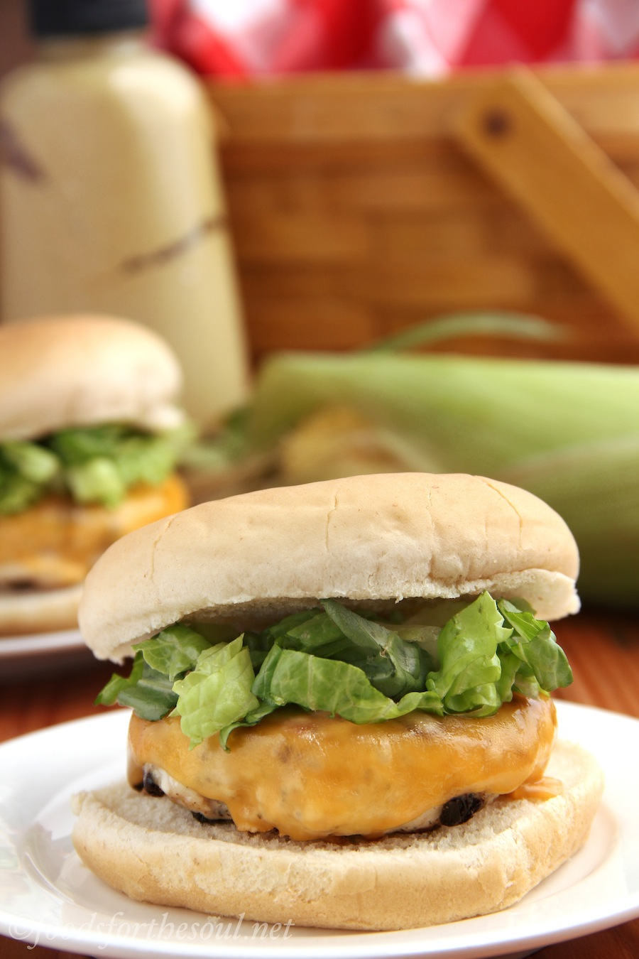sun dried tomato basil cheeseburgers | Foods for the Soul