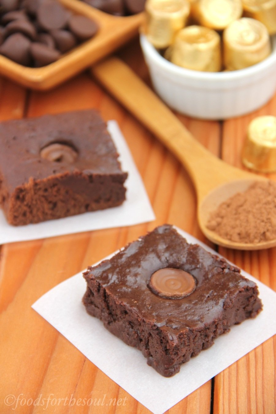Ooey Gooey Rolo Brownies | by Foods for the Soul {foodsforthesoul.net}