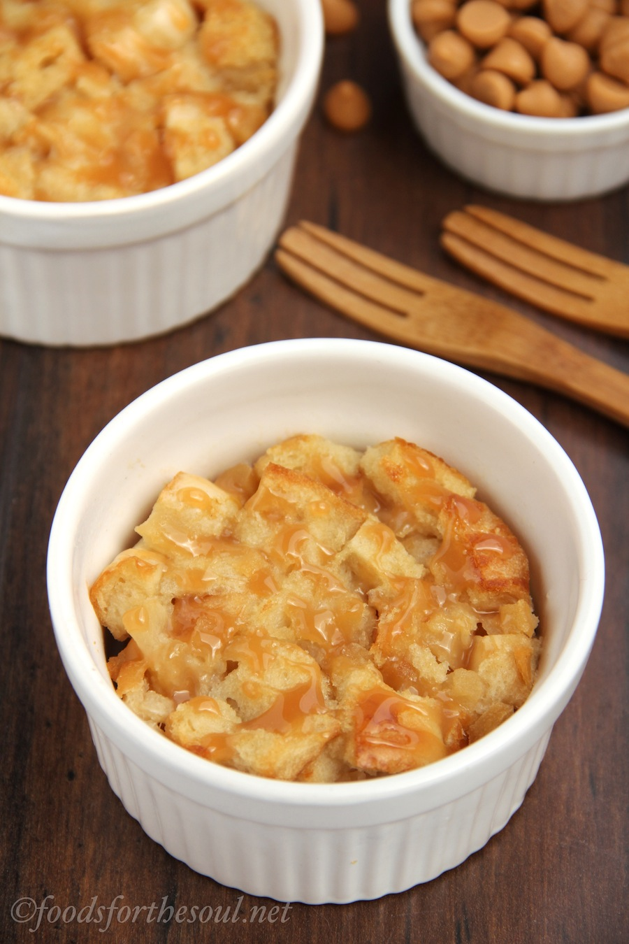 Pear and Caramel Bread Puddings -- a super easy recipe that tastes so sophisticated!