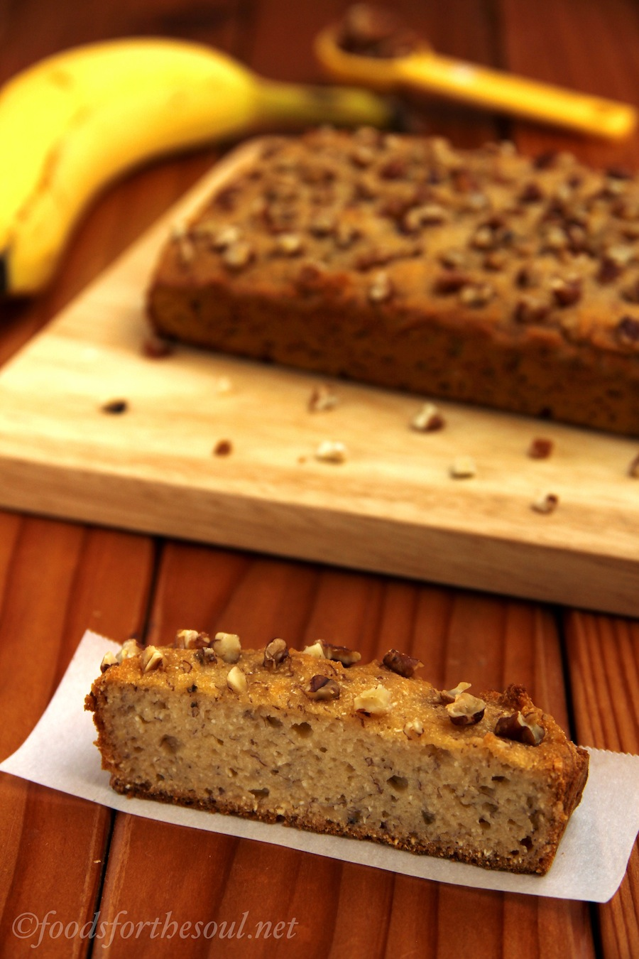 Pecan Banana Bread -- it's gluten-free and clean-eating friendly! | by Foods for the Soul {foodsforthesoul.net}