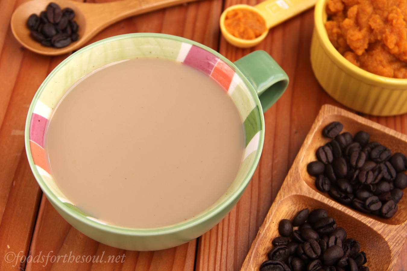 Skinny Pumpkin Spice Latte -- tastes just like Starbucks for a fraction of the cost! | by Foods for the Soul {foodsforthesoul.net}