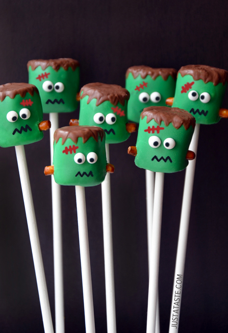 Frankenstein Marshmallow Pops -- a super cute Halloween treat! {Sunday Funday #3 on foodsforthesoul.net}