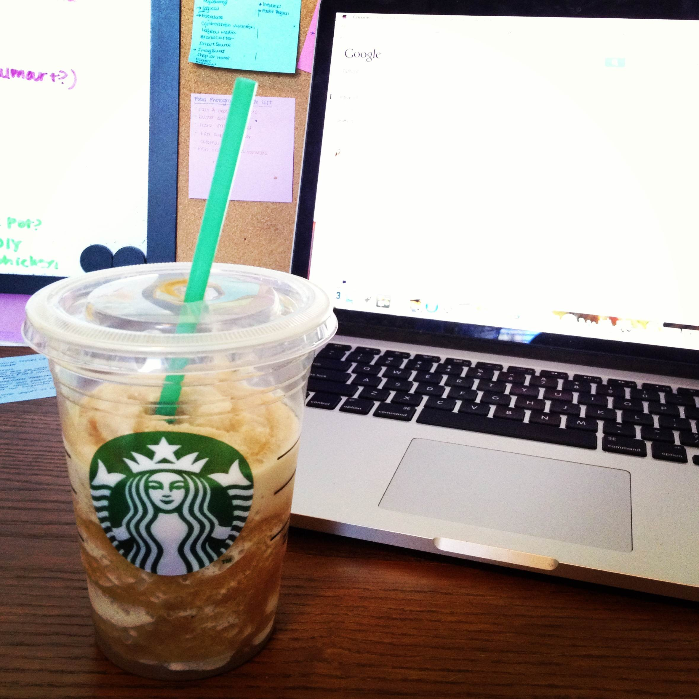Starbucks Grande Caramel Frappuccino -- new favorite drink! {Sunday Funday #3 on foodsforthesoul.net}