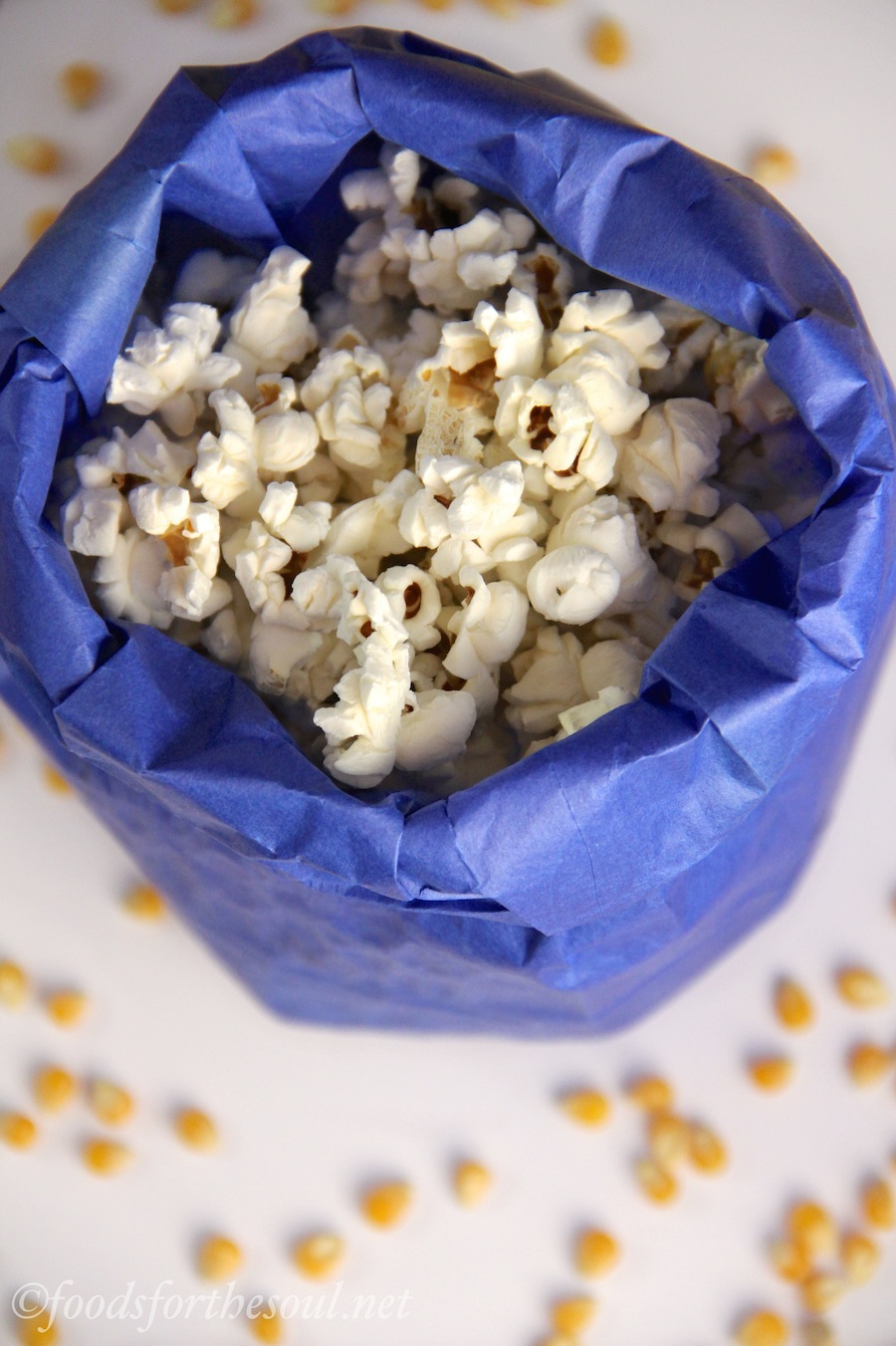 Do you know the microwave popcorn trick? All you need is a paper bag! {Sunday Funday #6 on foodsforthesoul.net}