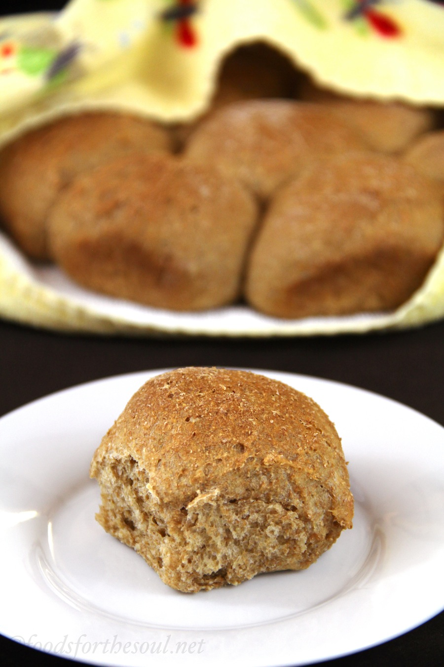 100% Whole Wheat Rolls -- so healthy & easy! {vegan, clean-eating}