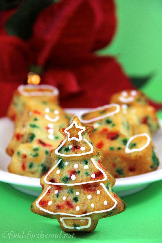 Funfetti Christmas Cupcakes -- so easy & cute!