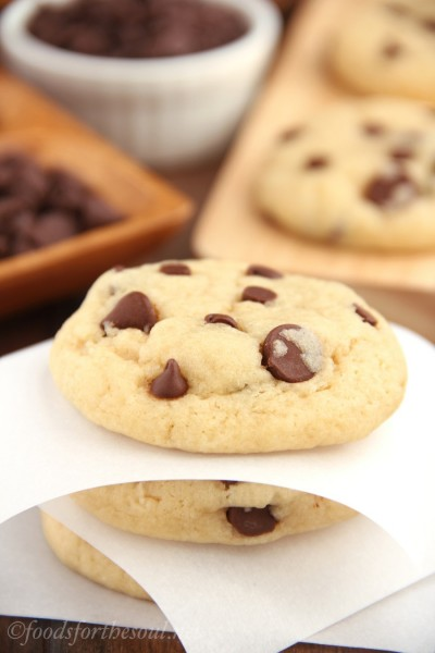 VIDEO: The Ultimate Healthy Soft & Chewy Chocolate Chip Cookies