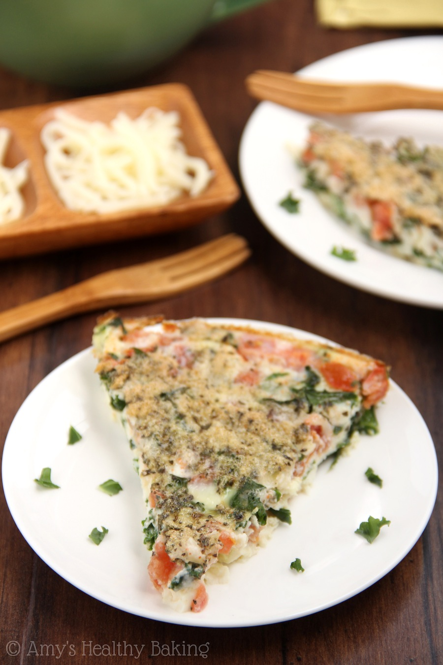 Skinny Kale & Tomato Quiche -- clean-eating, SO easy to make & packed with almost 17 grams of protein!