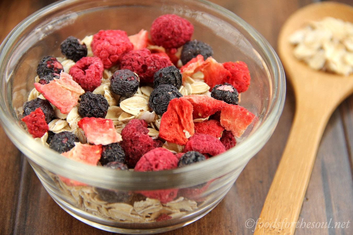 Triple Berry Muesli -- a healthy, clean-eating breakfast ready in just 1 minute! Packed with fiber to keep you full!