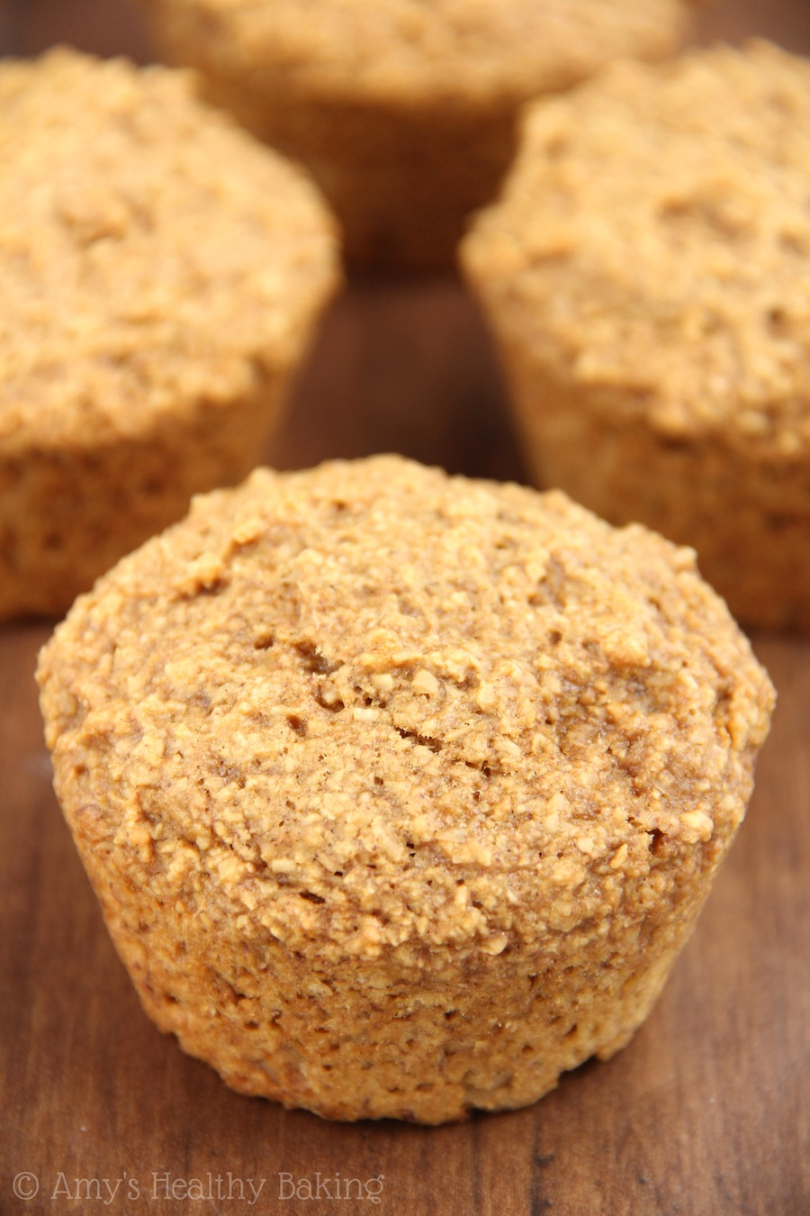 An easy recipe for moist Banana Bran Muffins. The perfect skinny & clean-eating breakfast treat!