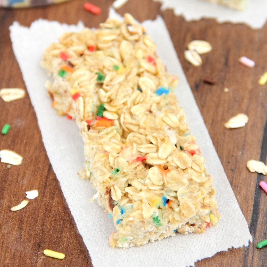 Skinny Funfetti Cake Batter Granola Bars