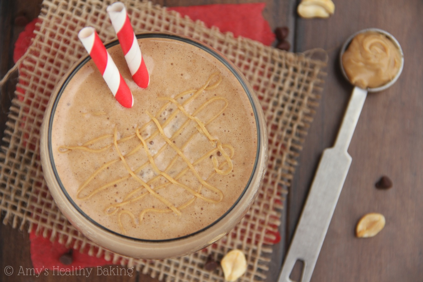 Skinny Chocolate Peanut Butter Frappuccino -- only 95 calories & tastes just like a Reese's PB cup!