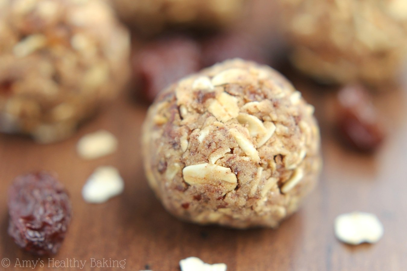 5-Ingredient recipe for healthy Oatmeal Raisin Energy Bites that taste exactly like the cookies!