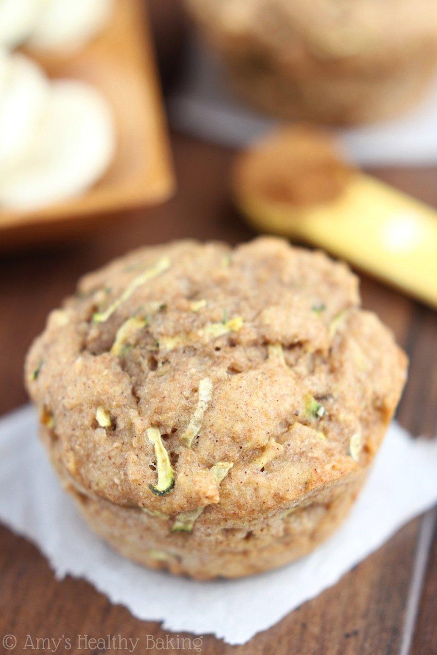 Whole Wheat Zucchini Banana Muffins -- an easy & healthy breakfast recipe! {clean-eating}