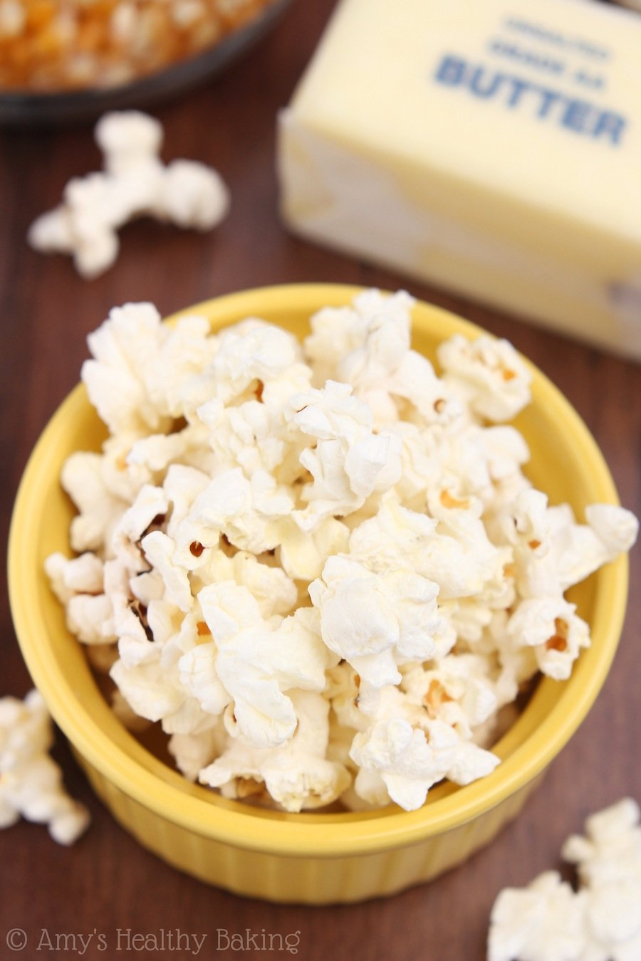 Skinny Buttered Popcorn -- 3 ingredients, 5 minutes & only 70 calories!