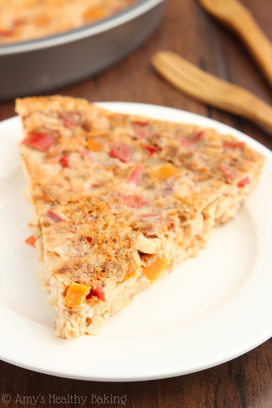 Chicken Fajita Quiche -- crustless, low carb & packed with over 20 grams of protein! Only 4 ingredients in this easy & healthy breakfast!