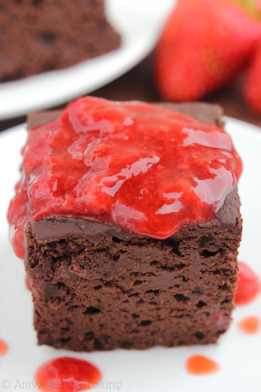 Skinny Slow Cooker Chocolate Fudge Cake -- I'm SO obsessed! Super rich & just as easy as a box mix!