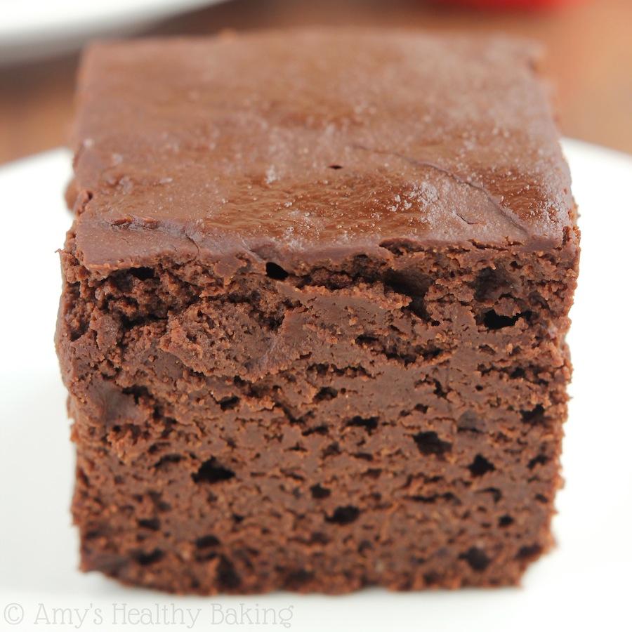 Skinny Slow Cooker Chocolate Fudge Cake | Amy's Healthy Baking