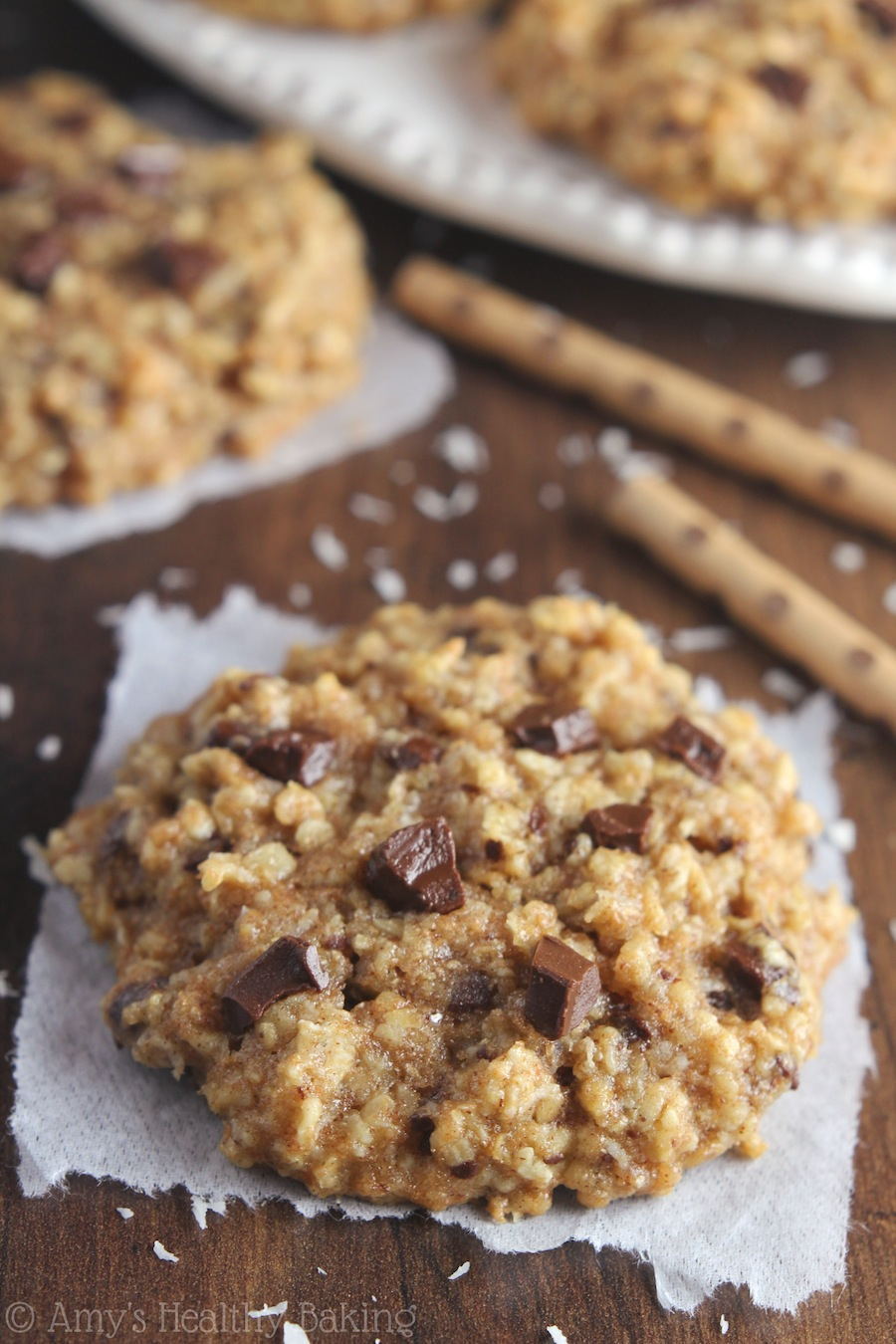 Clean-Eating Almond Joy Oatmeal Cookies -- these skinny cookies don't ...