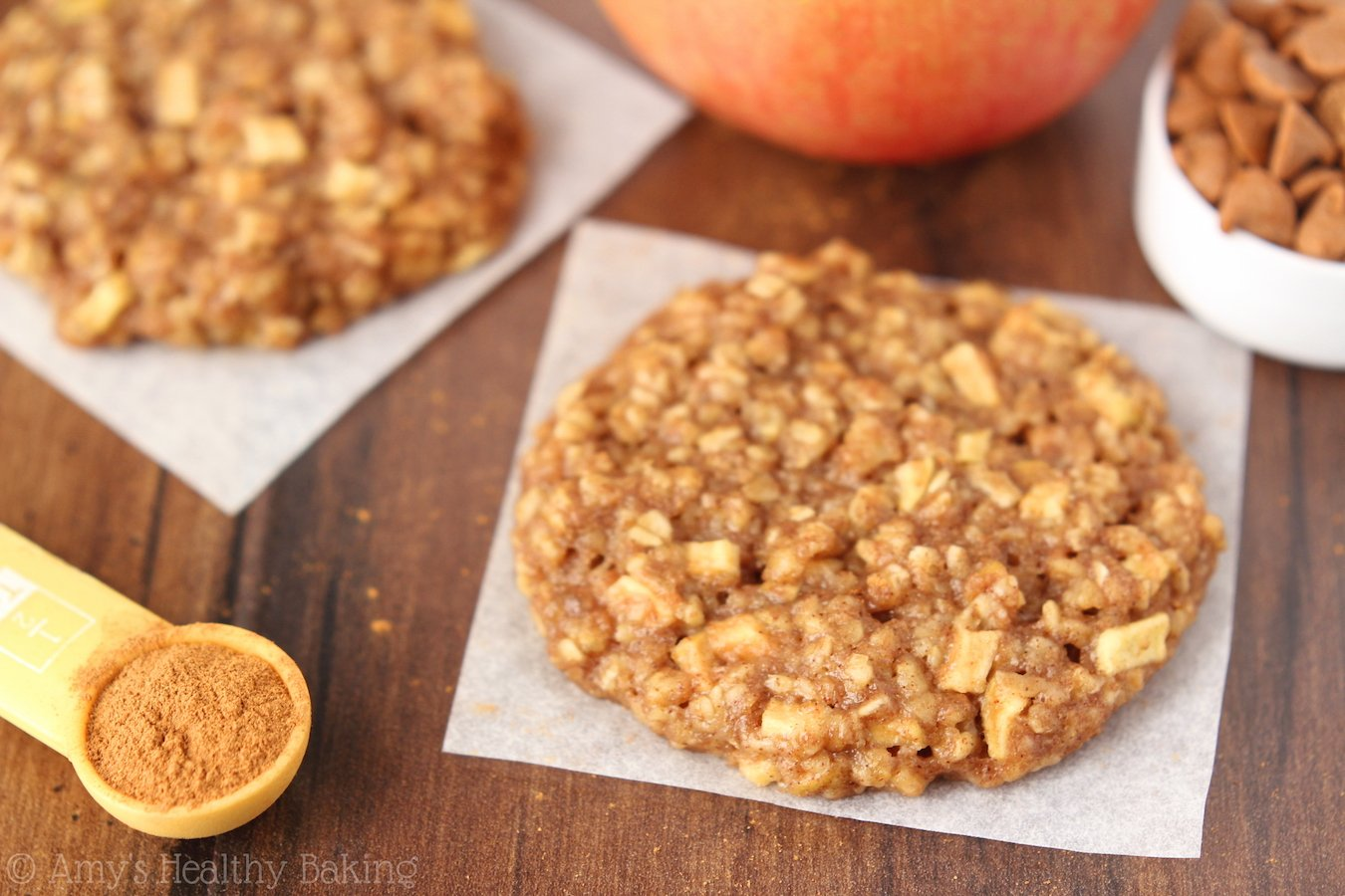 Clean-Eating Apple Pie Oatmeal Cookies -- these skinny cookies don't ...