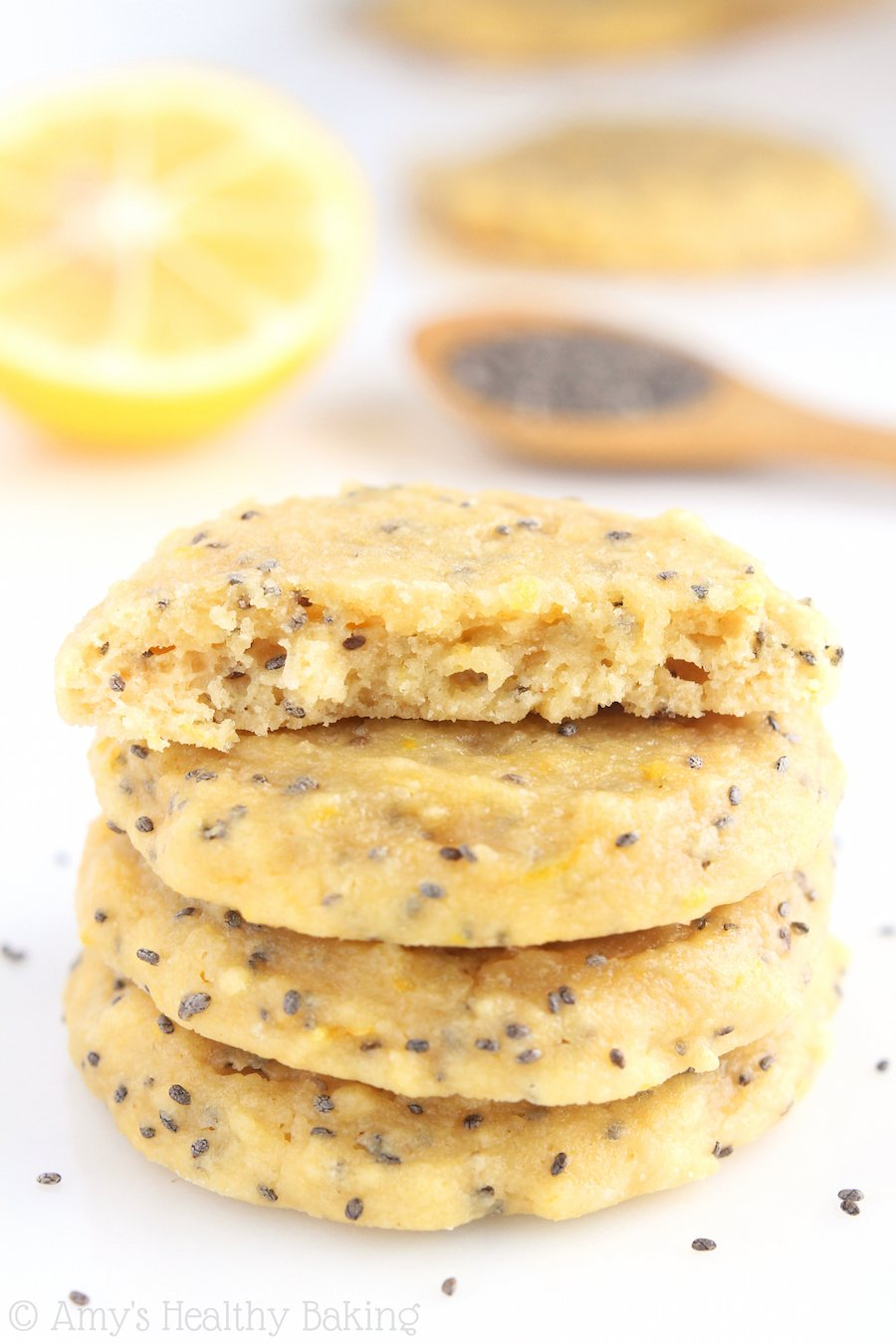 Chia Seed Protein Cookies -- these skinny, protein-packed cookies ...