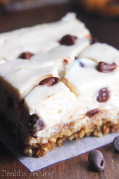Skinny Chocolate Chip Pretzel Cheesecake Bars