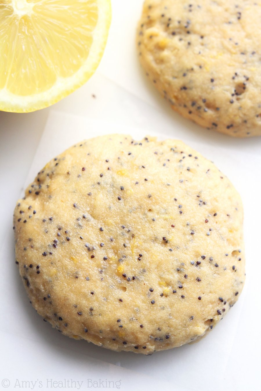 Lemon Poppy Seed Protein Cookies -- these skinny, protein-packed cookies don't taste healthy at all! Even better, they're low carb & 100% acceptable for breakfast!