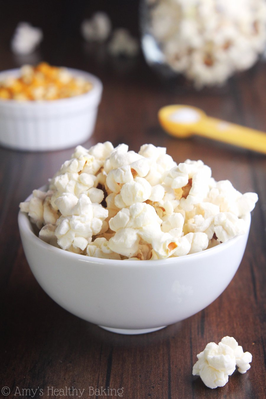 Easy Coconut Oil Popcorn -- you just need 3 ingredients & a pot for this healthy snack! Just 88 calories in each HUGE serving!