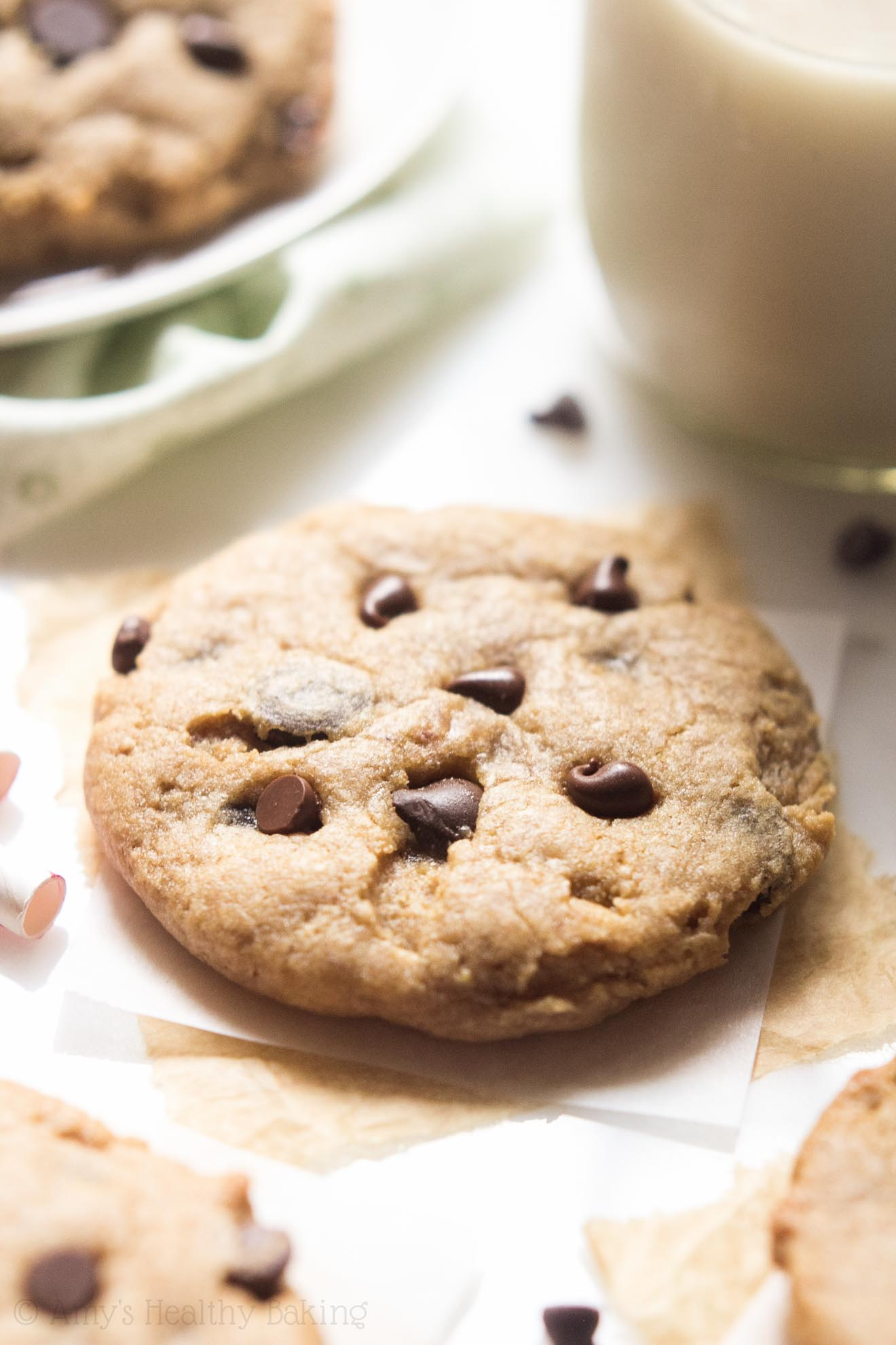 Clean-Eating Chocolate Chip Peanut Butter Banana Cookies -- soft, chewy & SO chocolaty! These skinny cookies don't taste healthy at all!