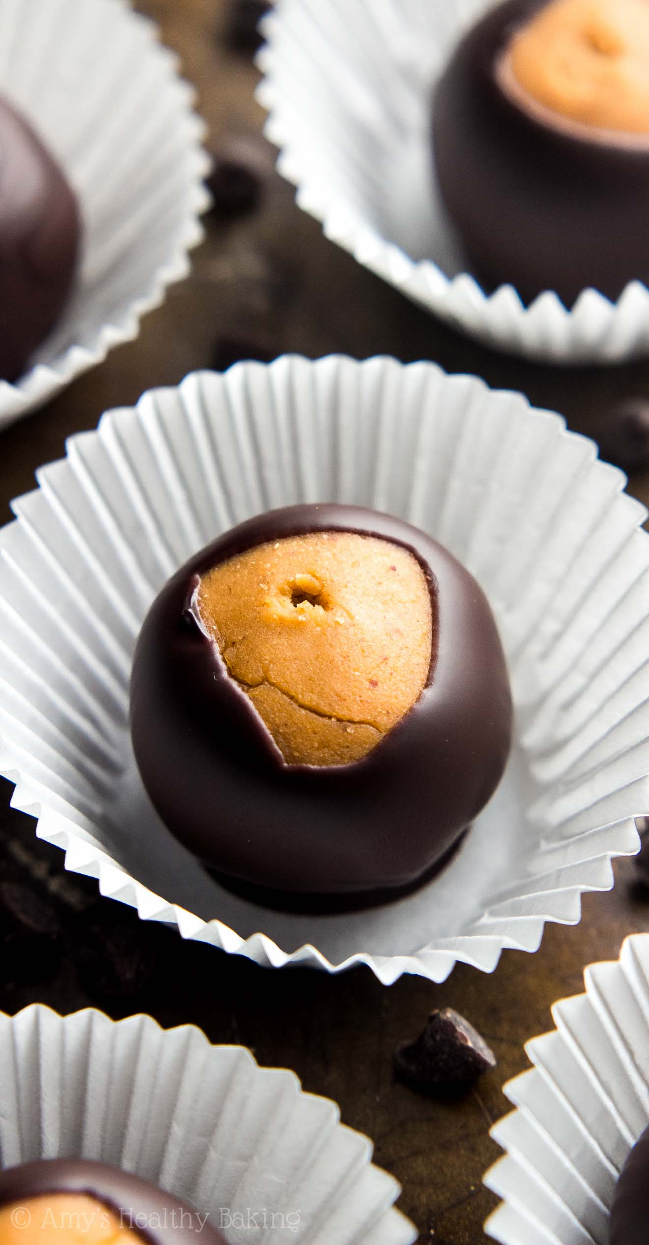 GUILT-FREE CANDY! So easy to make, nearly 3g of protein & perfect for the holidays! Chocolate + peanut butter = the perfect combo!