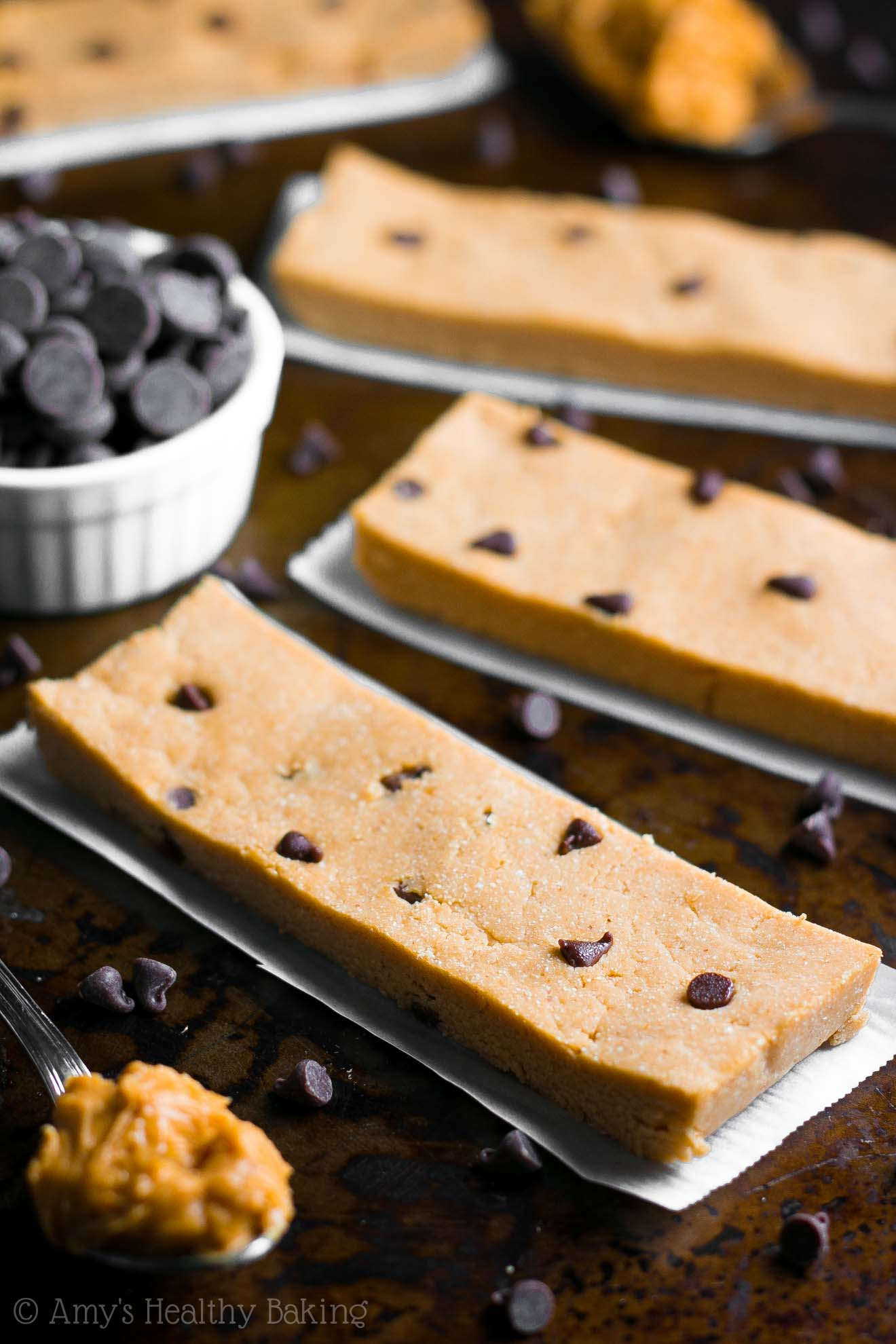 """Skinny"" energy snack bars that taste JUST like Reese's PB cups! Completely guilt-free, but they don't taste healthy AT ALL!"