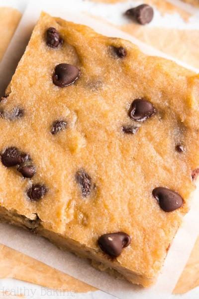 Healthy Chocolate Chip Banana Bread Brownies