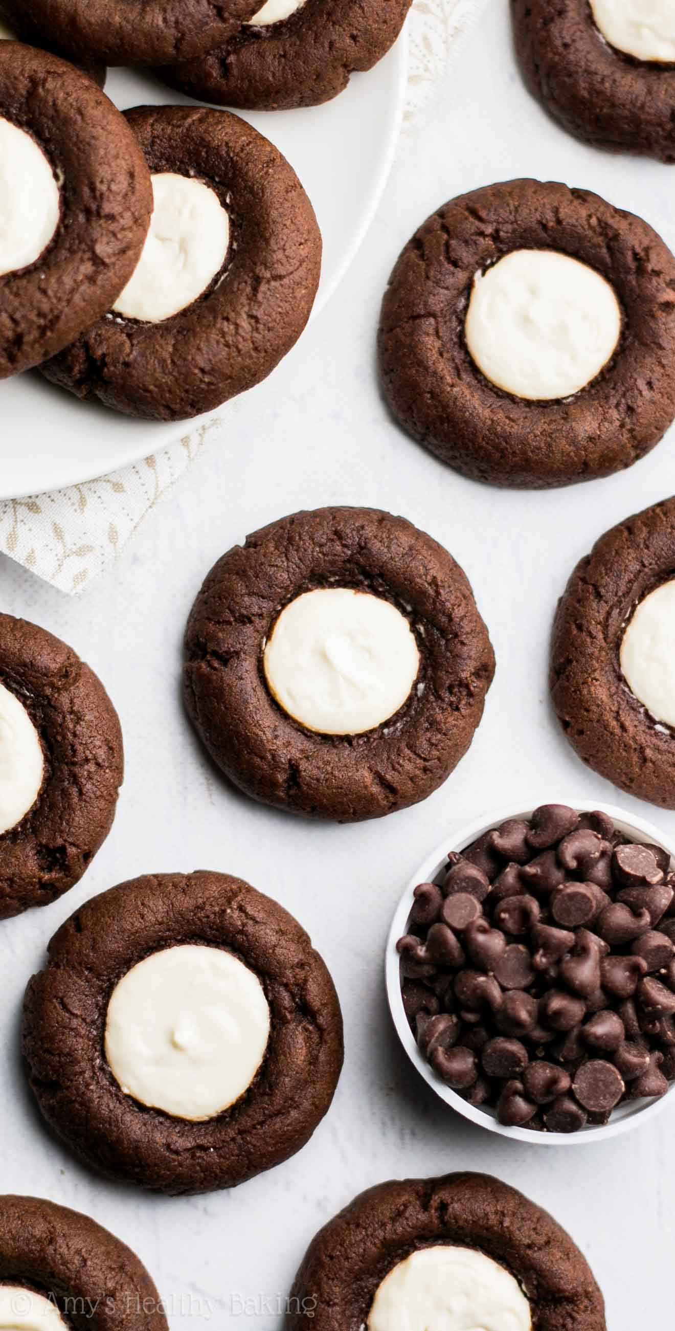 Healthy Chocolate Cheesecake Thumbprint Cookies -- this recipe is AMAZING! Easy, fudgy like brownies & just 44 calories!