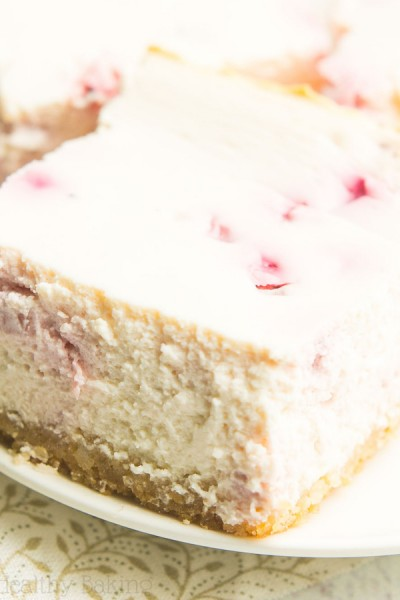Skinny Strawberry Cheesecake Bars