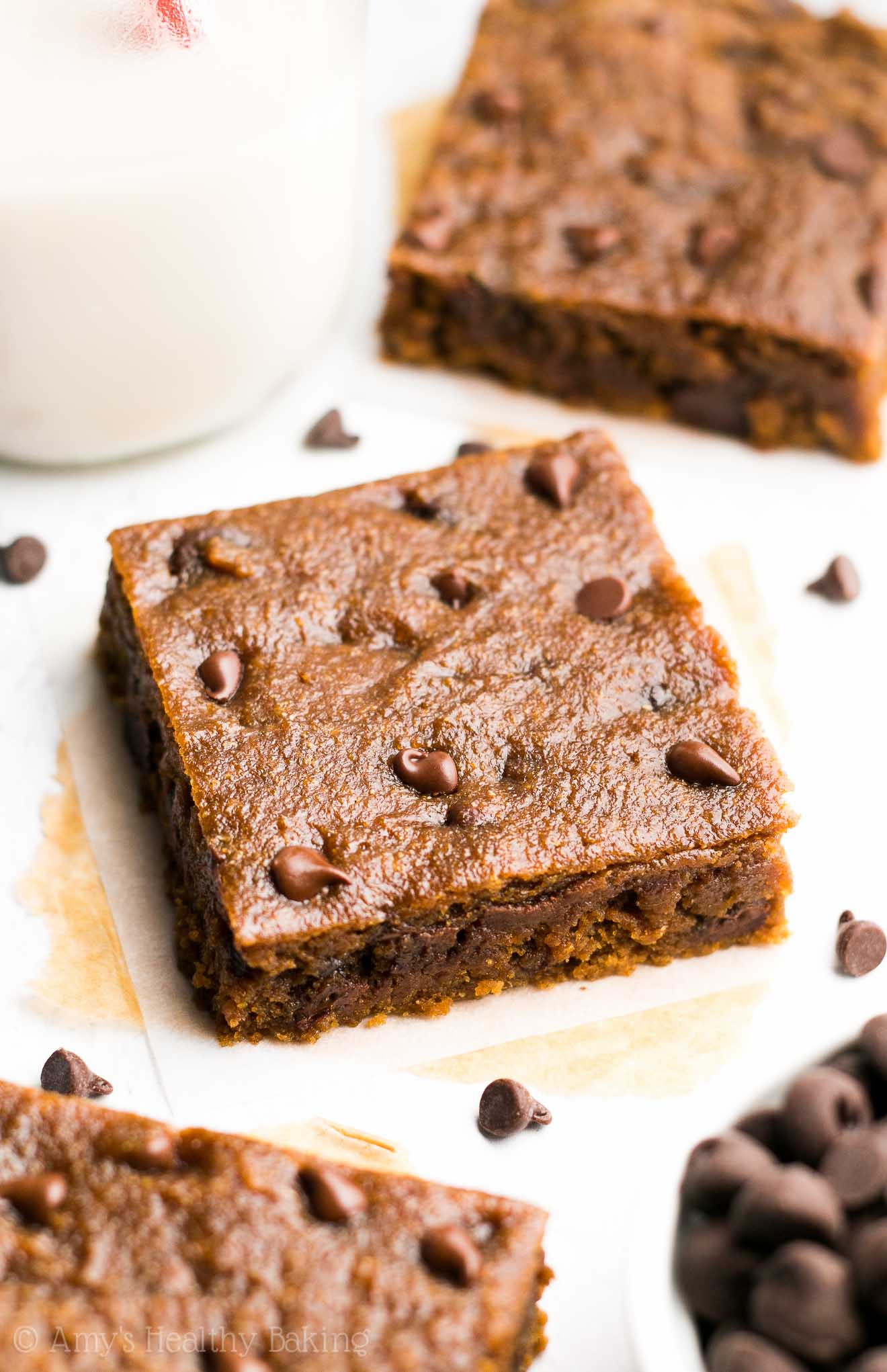 Skinny Slow Cooker Chocolate Chip Cookie Bars -- so rich & just 108 calories! These are absolutely amazing & don't taste healthy at all!