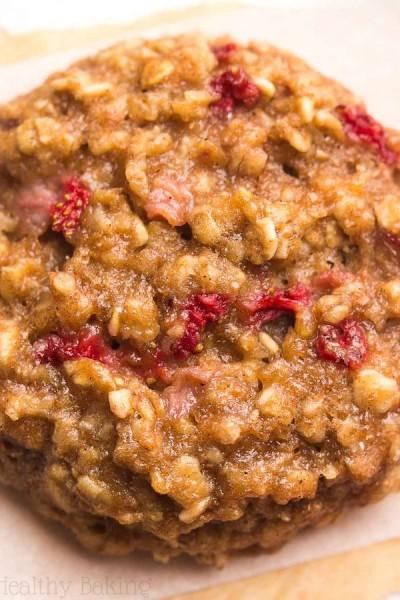 Strawberry Banana Bread Oatmeal Cookies