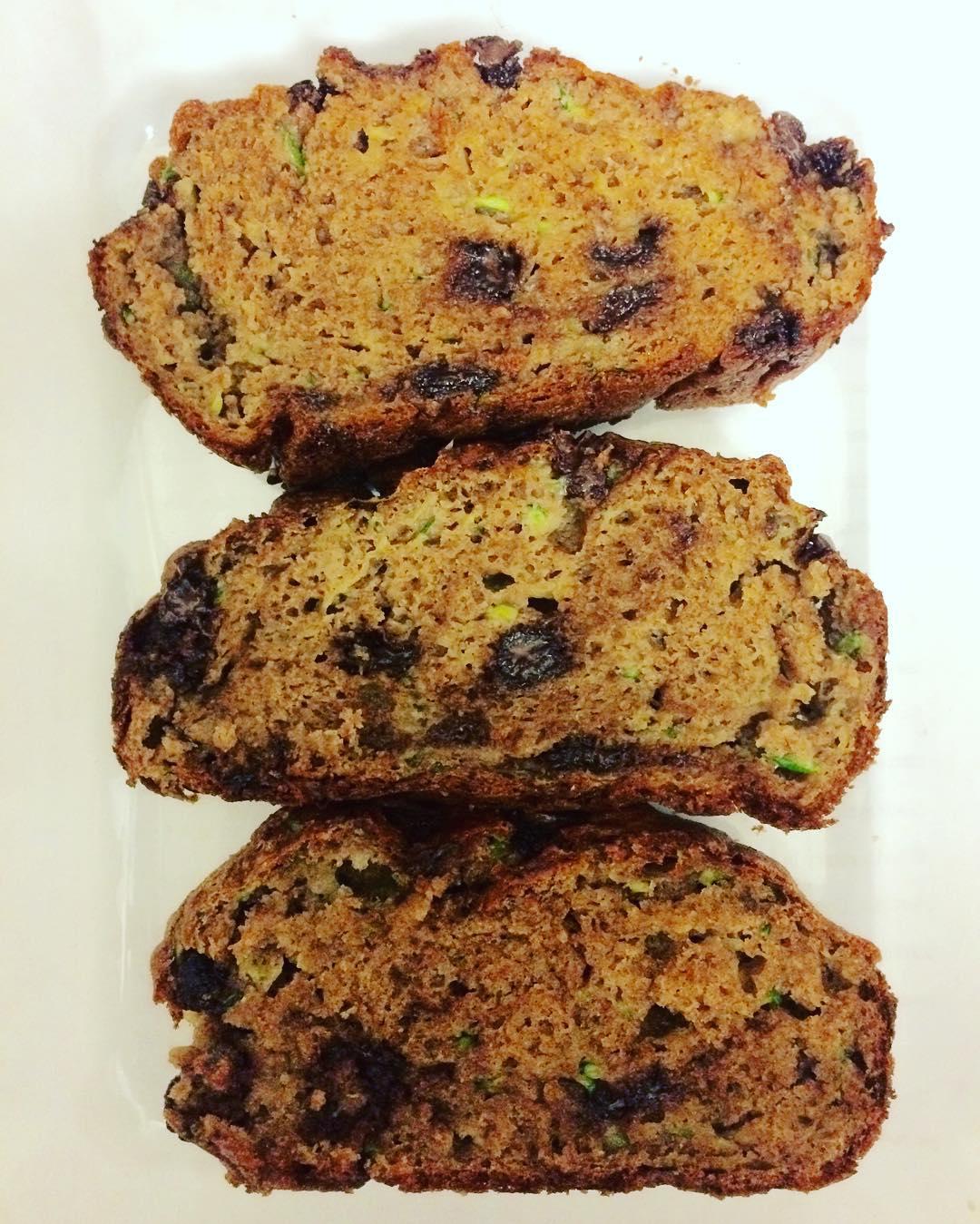Whole Wheat Chocolate Chip Zucchini Bread | @natspics82