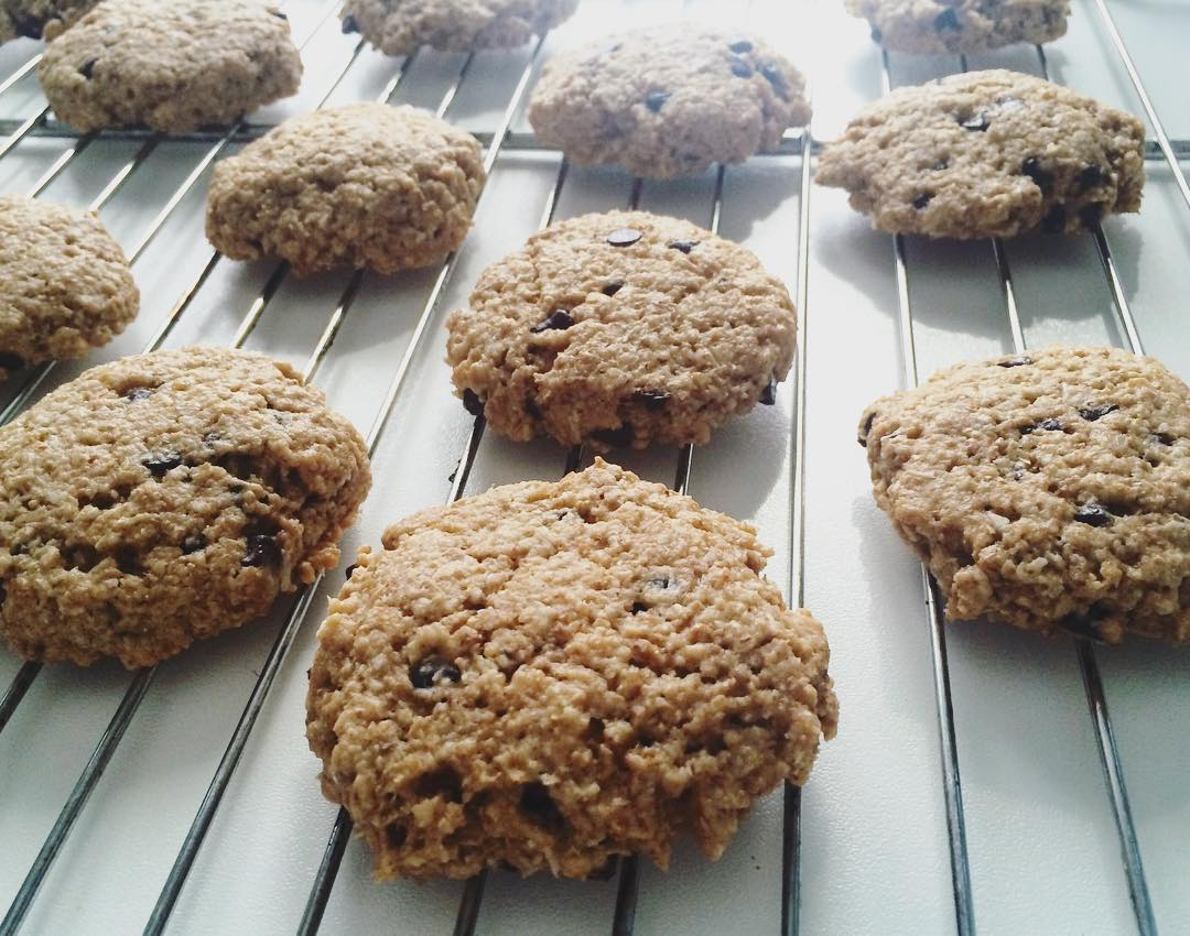 Almond Joy Oatmeal Cookies | @cioccolatoelamponi