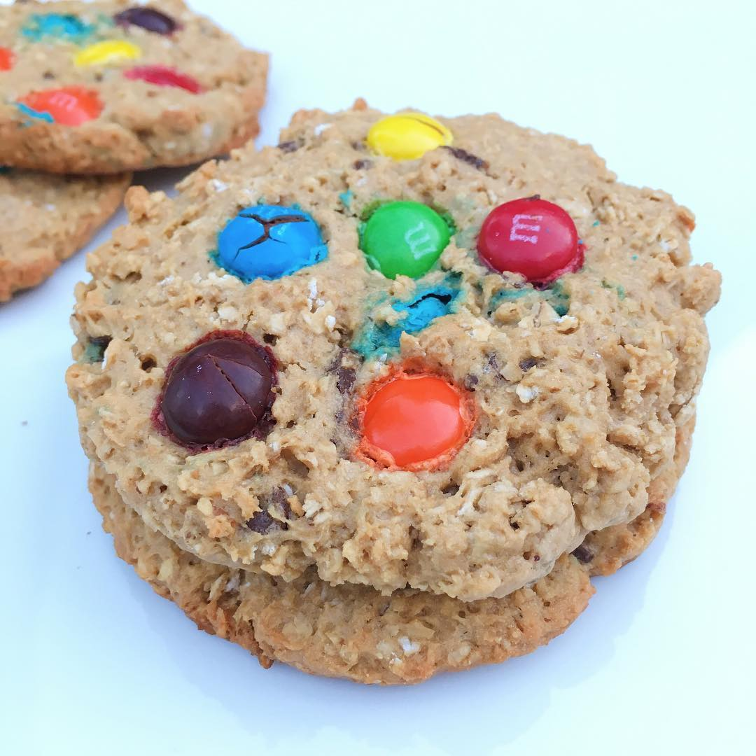 Healthier Classic Monster Cookies | @healthygffamily