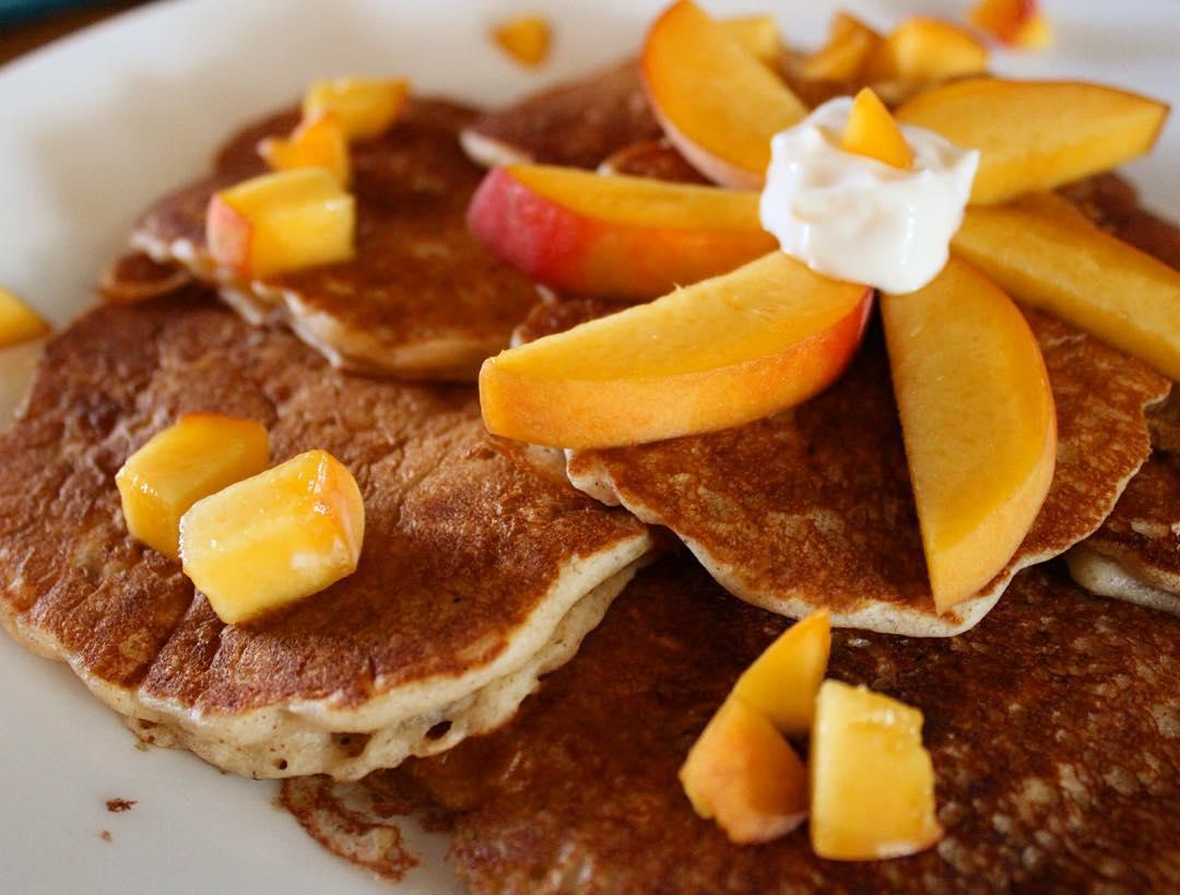 Peach Pie Pancakes | @eve_hayley