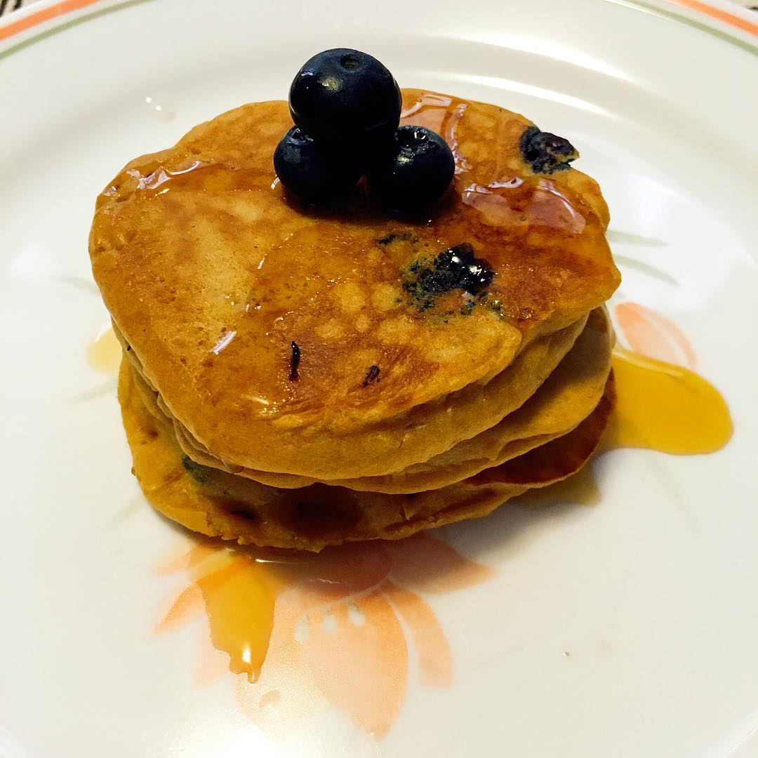 The Ultimate Healthy Blueberry Buttermilk Pancakes | @eleanoryuen