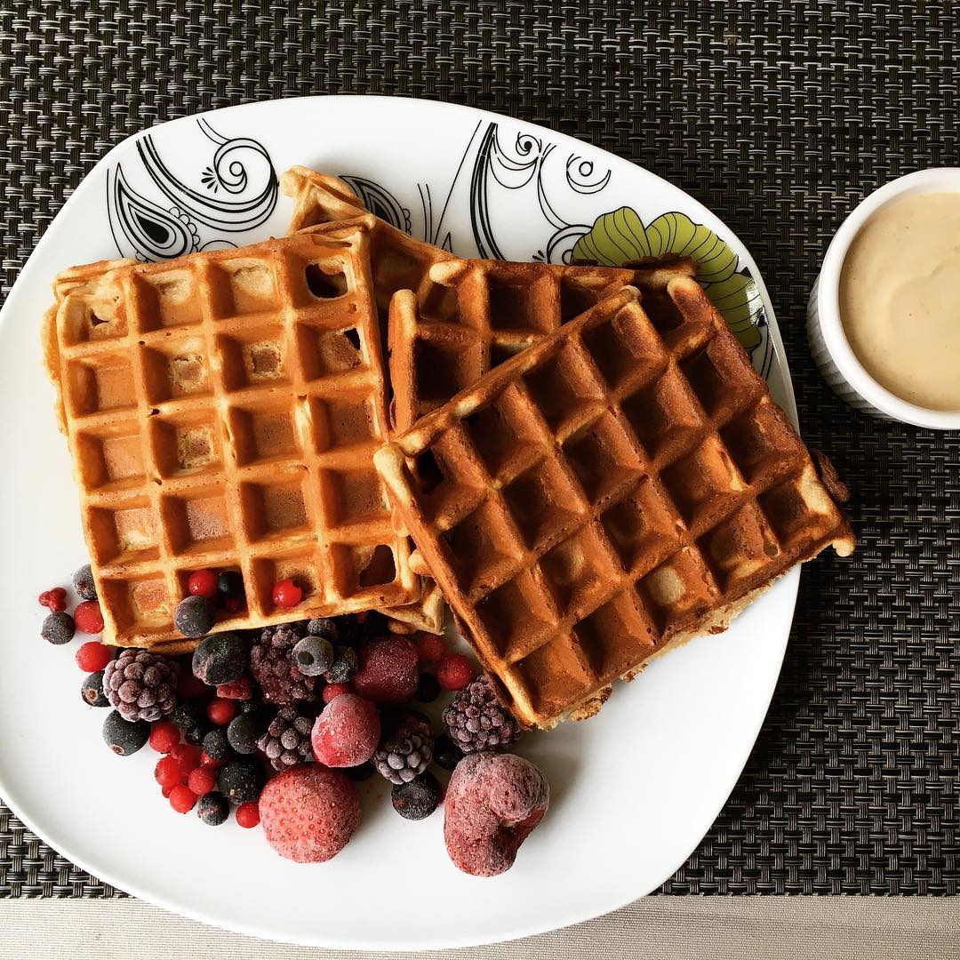 The Ultimate Healthy Buttermilk Waffles | @fitnessgirl.gabi