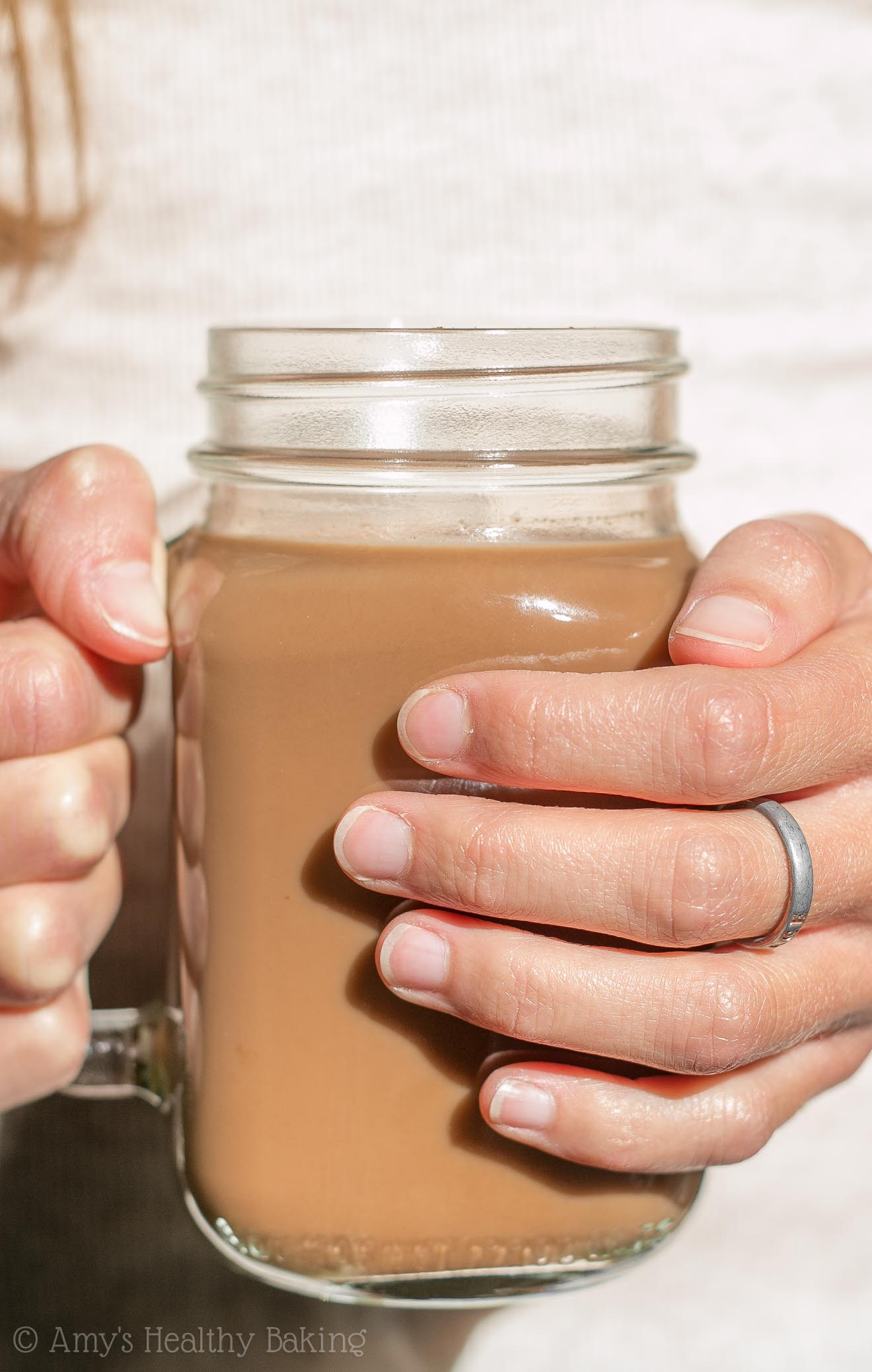 Skinny Chocolate Chai Latte -- a healthy copycat that tastes WAY better than the original! Just 35 calories!