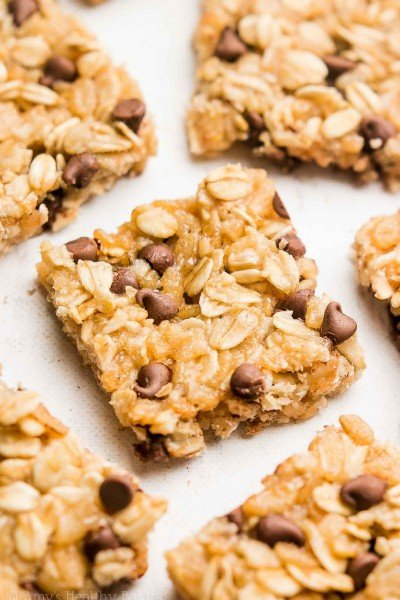 VIDEO: Healthy Chocolate Chip Granola Bar Bites