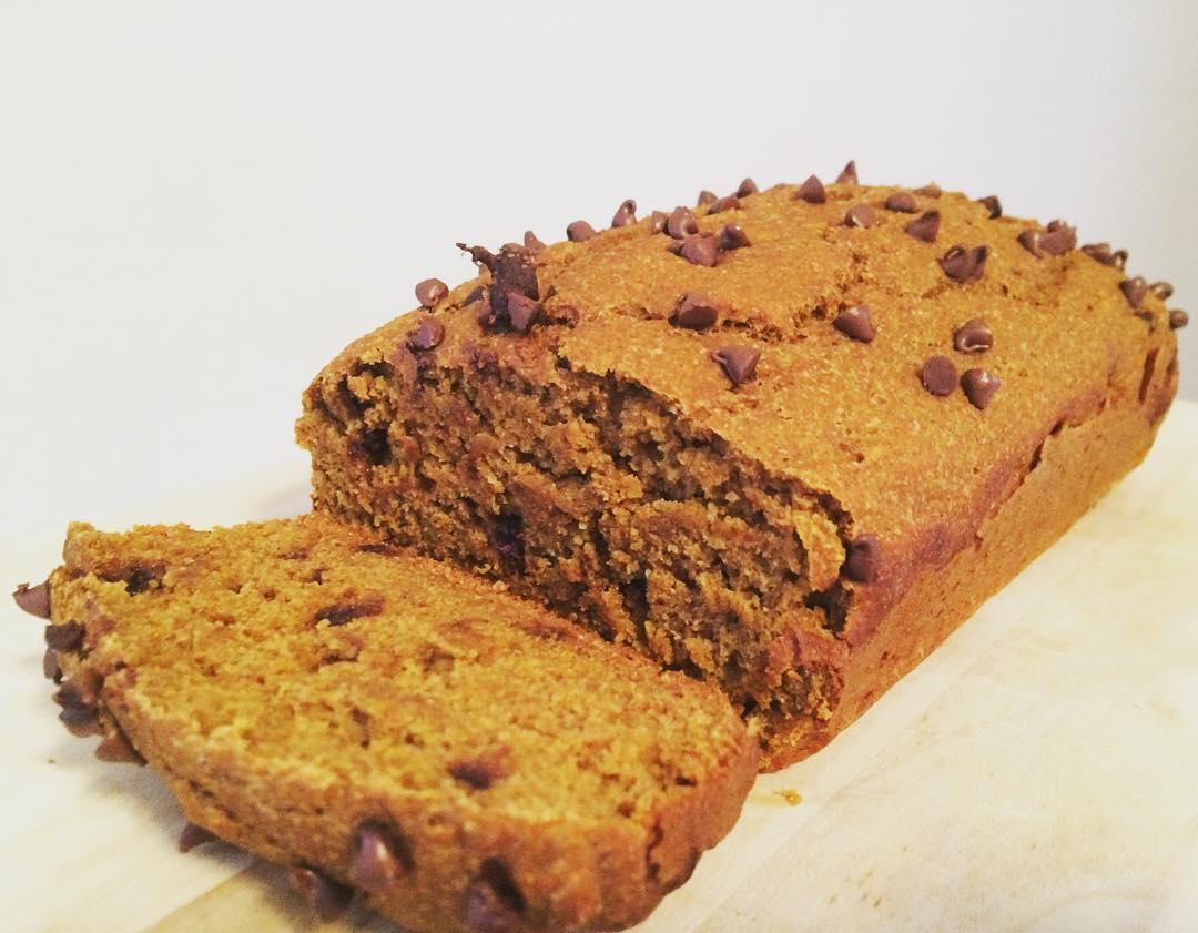 chocolate chip pumpkin bread | @valeriexefronas