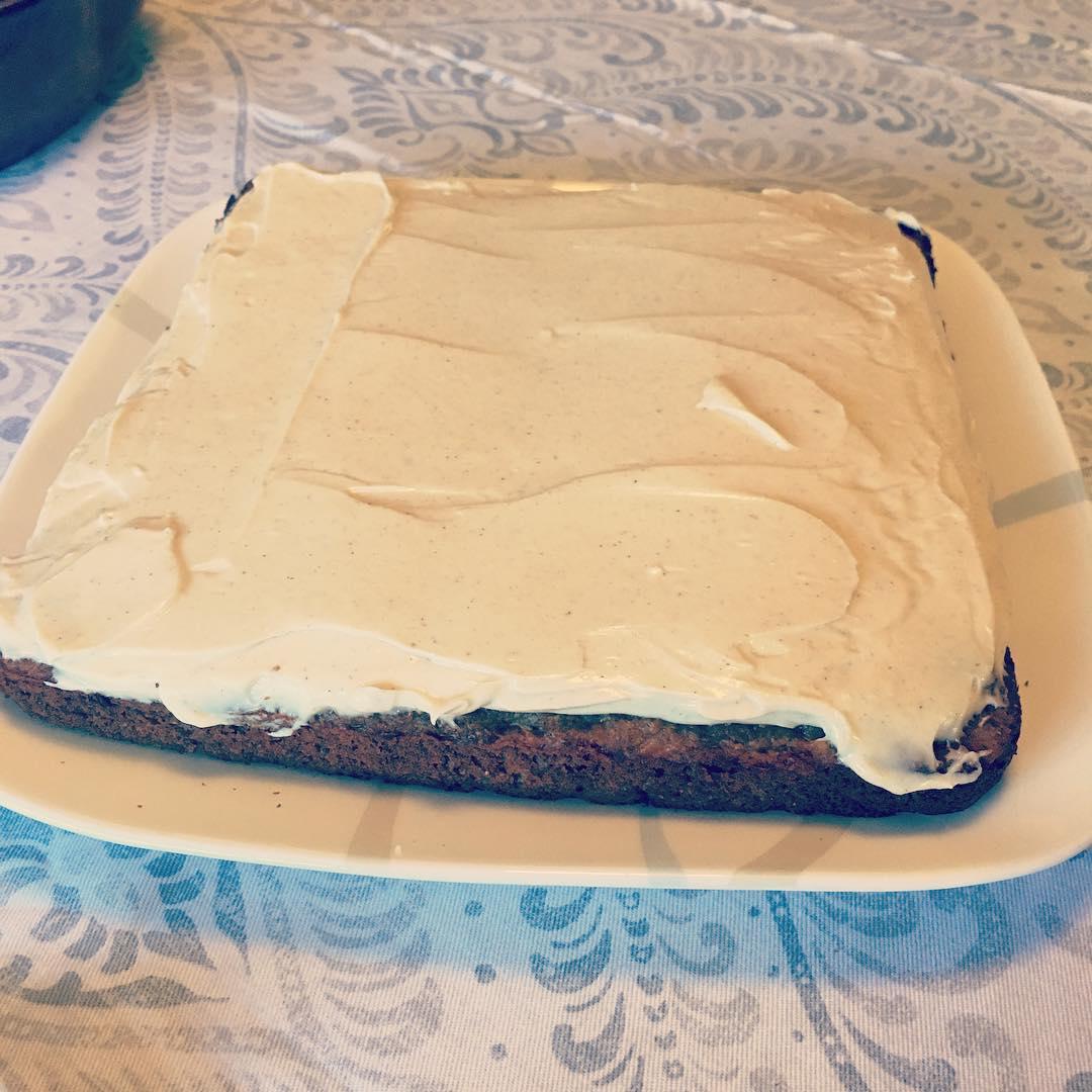 clean classic carrot cake | @taynesbitt5