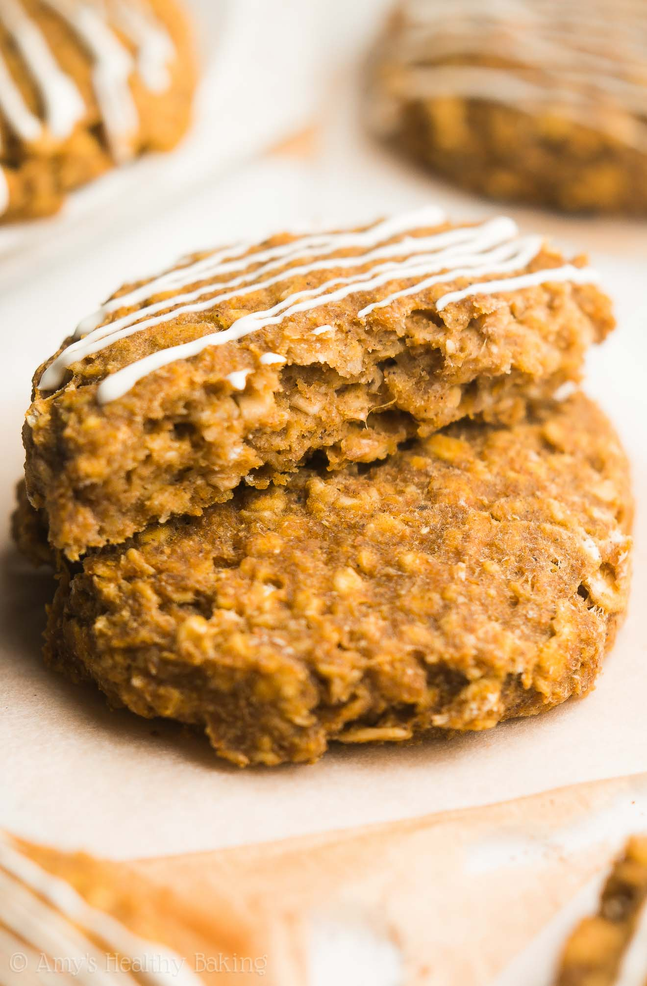 Skinny Pumpkin Cheesecake Oatmeal Cookies -- just 95 calories, but these cookies don't taste healthy at all! You'll never need another pumpkin cookie recipe again!